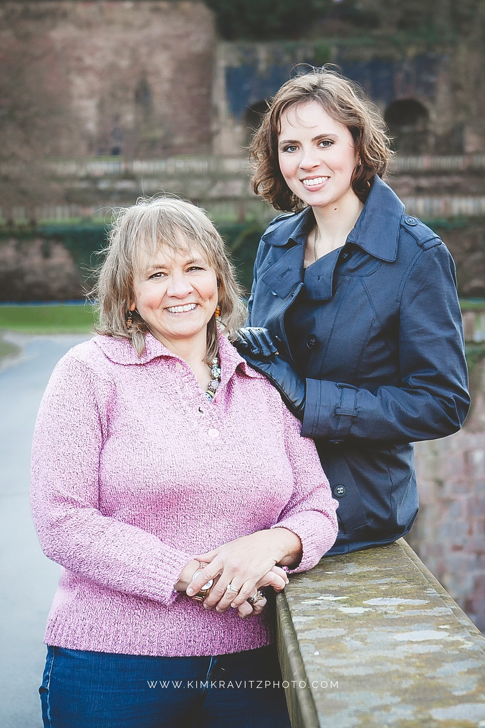 College Senior Pictures with mom by Kim Kravitz